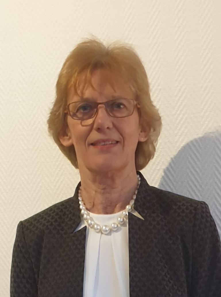 Dr. Renate Schüller